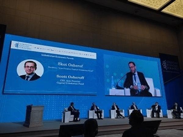 Scott Osheroff speaking on a panel with Deputy Minister of Finance, Mr. Odilbek Isakov, at the Uzbekistan Economic Forum 2021